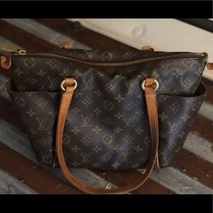 Louis Vuitton totally PM Authentic